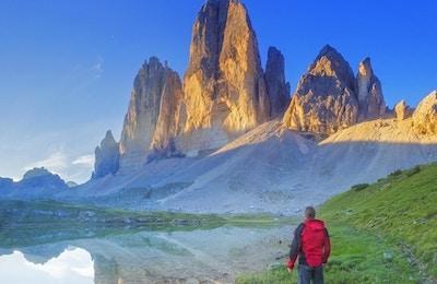 De tre topparna (Drei Zinnen) är tre toppmöten i östra Dolomiterna