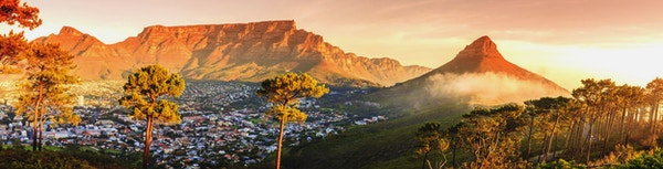 Panoramautsikt över Kapstaden, Table Mountain och Lions Head i Sydafrika