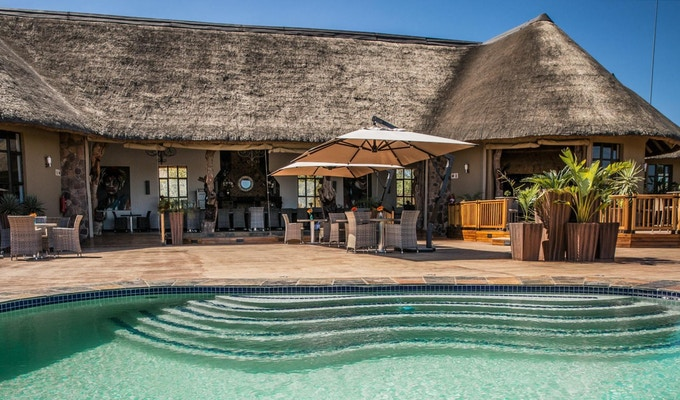 Sydafrika sebatana safari lodge pool header1