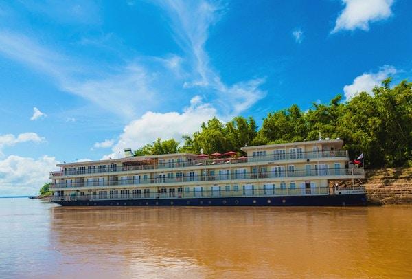 Mekong nav exterior 004 small river navigator
