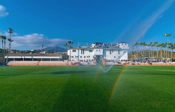 Marbella Football Center med läktare