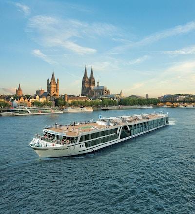 Sänd på floden i Köln. Foto.