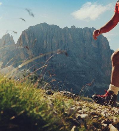 Vandringsled för hög man på det höga berget