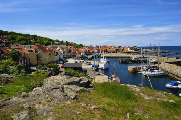 Liten hamn på Bornholm sommardag