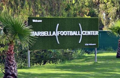 Välkomstskylt vid entren till Marbella Football Center
