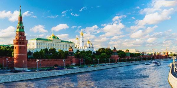 Panoramautsikt över Moskva Kreml och Moskvafloden. ryssland