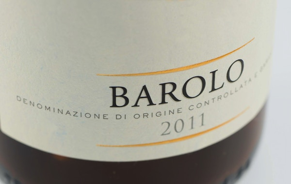 Istock 000078709893 vin barolo italia