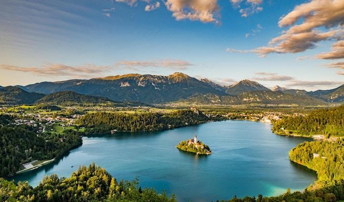 Panoramautsikt över sjön Bled