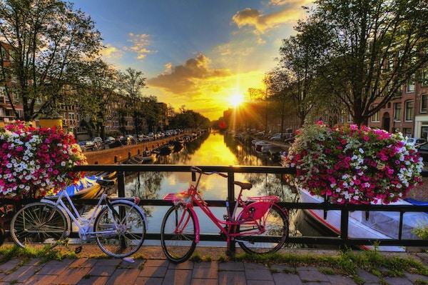 Istock 000048084840 amsterdam nederland