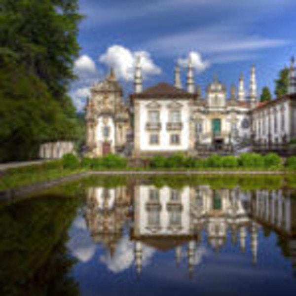 Hus, slott, trädgård, vatten, himmel