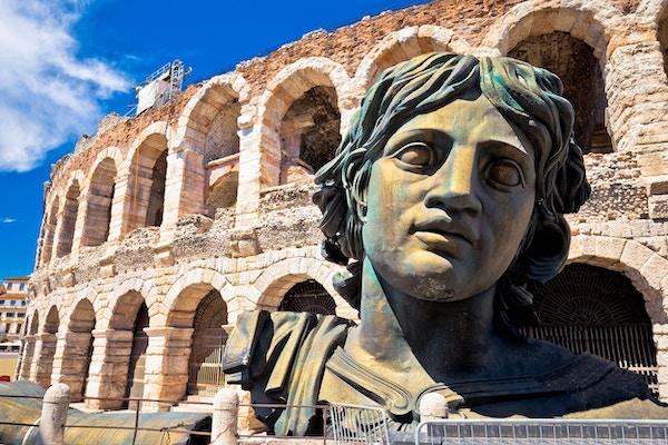 Romersk amfiteater Arena di Verona sikt, landmärke i Veneto-regionen i Italien
