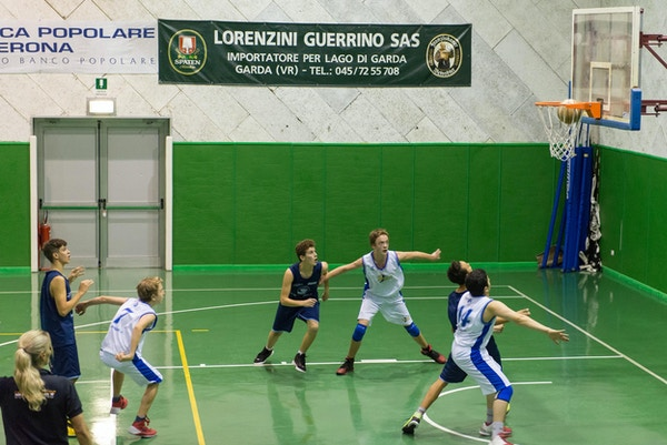 Träningsmatch i basket, Garda, Italien