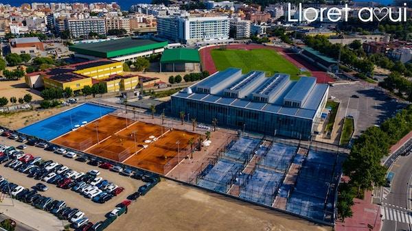 Padel banor, inomhus 50-metersbassäng, fotbollsarena, Hotel L´Azure, Lloret de Mar, Spanien