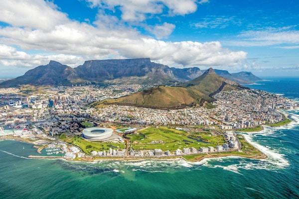 Kapstaden och de 12 apostlarna ovanifrån i Sydafrika