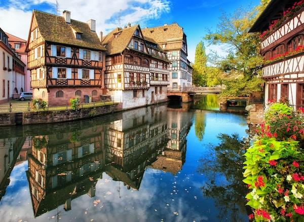Traditionella korsvirkeshus i distriktet La Petite France, Strasbourg, Frankrike