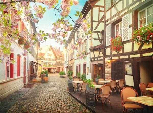 Petit France medeltida distrikt i Strasbourg på våren, Alsace Frankrike
