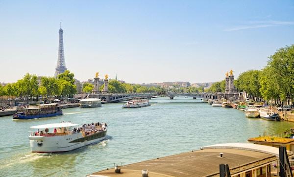 Turbåtar på Seine, Paris