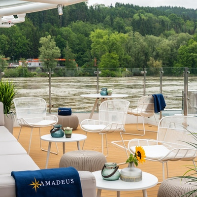 29 river terrace amadeus star