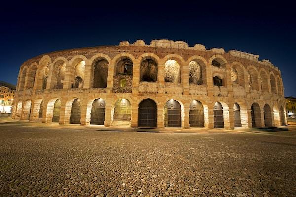 Arena av Verona på natten, världsarv, I-III-talet - romersk amfiteater