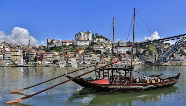 Istock 000021374600 portugal porto
