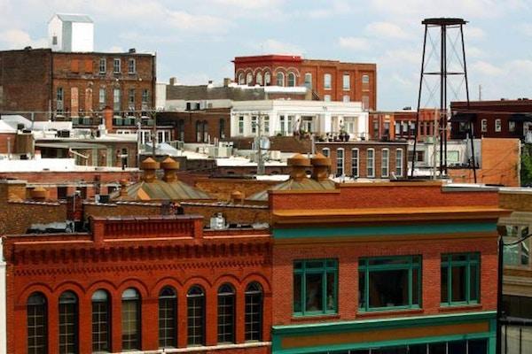 takvy ovanifrån av byggnader i Springfield Missouri