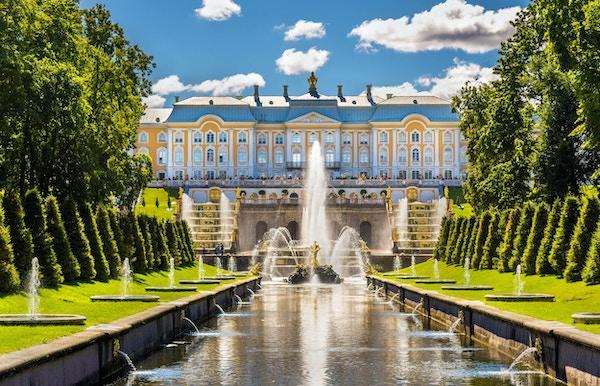 Sikt av Peterhof Grand Palace - Ryssland