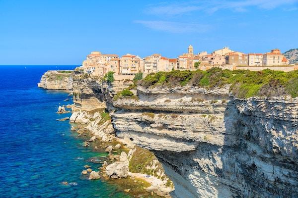 Korsika är den största franska ön på Medelhavet och det mest populära semestermålet för franska människor.