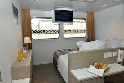 En stuga på huvuddäcket ombord på fartyget MS Loire Princess
