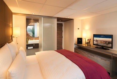 03 amadeus silver cabin 02