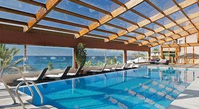 Inomhuspool, havsutsikt, Elba Estepona Gran Hotel