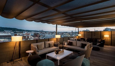 Terrass, lounge, utsikt över Barcelona, Catalonia Ramblas, Barcelona, Spanien