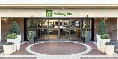 Hotellentré från Coram Street, Holiday Inn Bloomsbury, London, Storbritannien