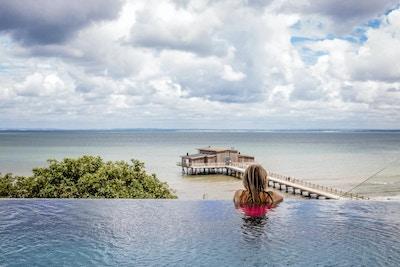 Infinity pool, kallbadhus, havet, Hotel Skansen, Båstad, Sverige