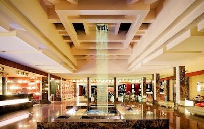 Lobbyområdet med fontän, Grand Majestic Hotel, Prag, Tjeckien