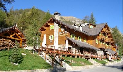hotel-chamois-d-or-casterino