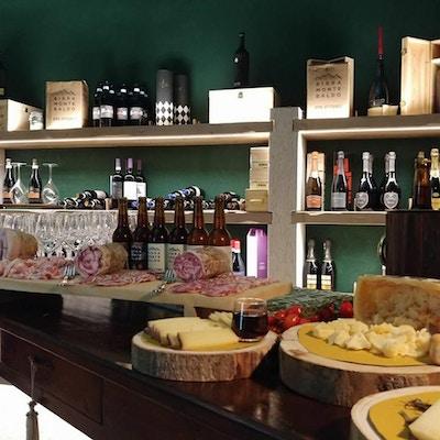 Vinprovning, charkuterier, Relais Rossar, Garda, Italien